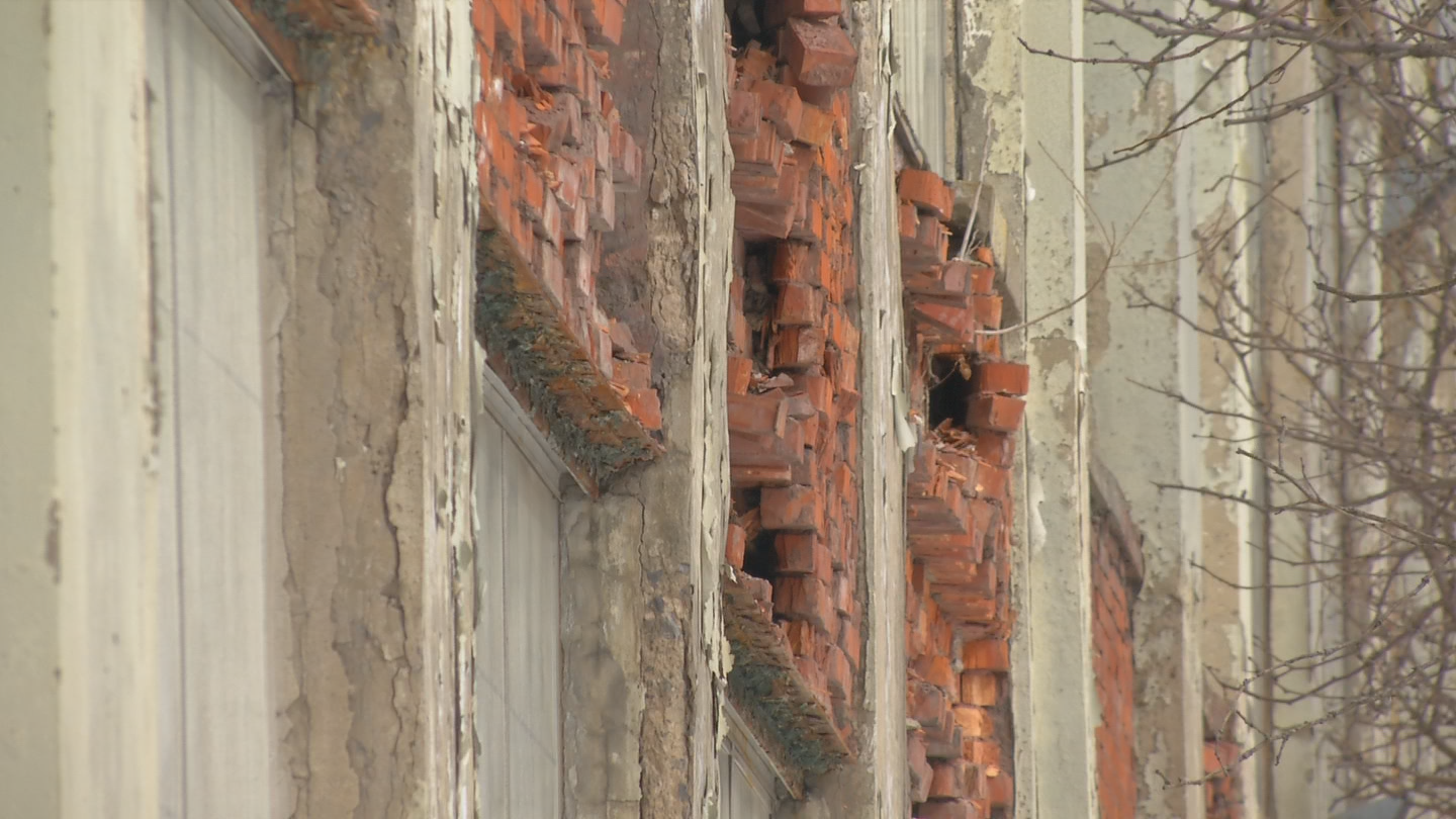 City of Syracuse has open code violations for painting the exterior and protection of any exposed structural members. (Brett Hall/CNYCentral)<p></p>