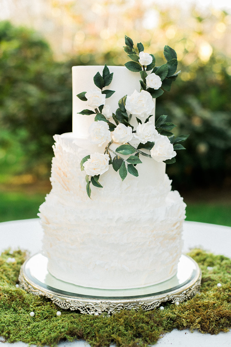 Tie The Knot Tuesday Locally Baked Wedding Cakes Too