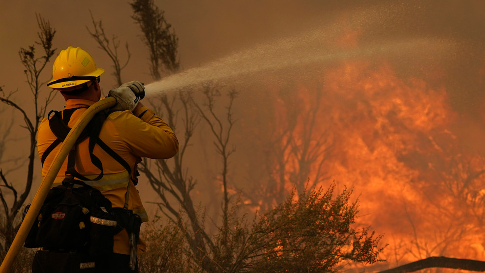 Southern California wildfire grows, burns nature center