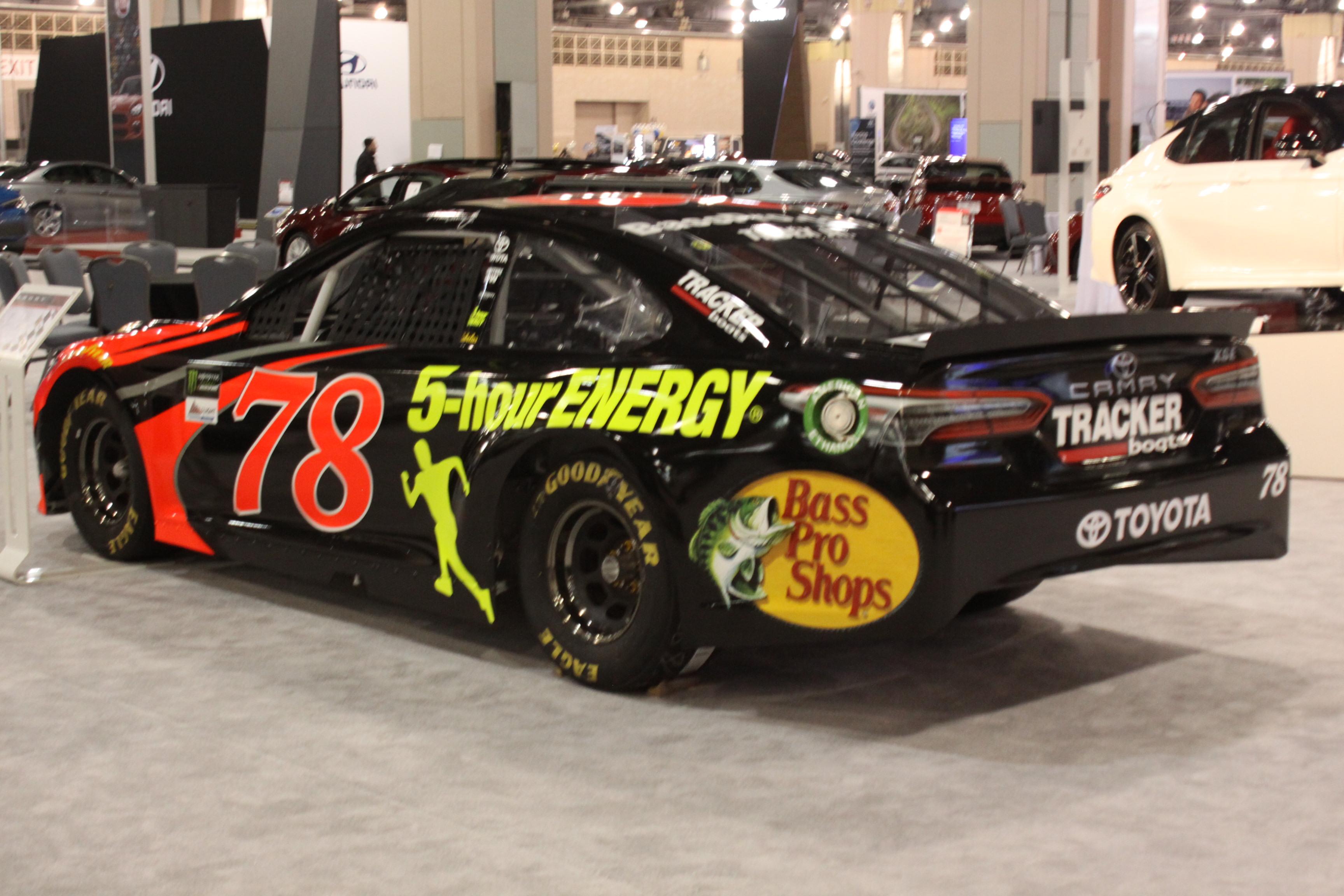 GALLERY Philadelphia Auto Show WBFF - Philadelphia convention center car show
