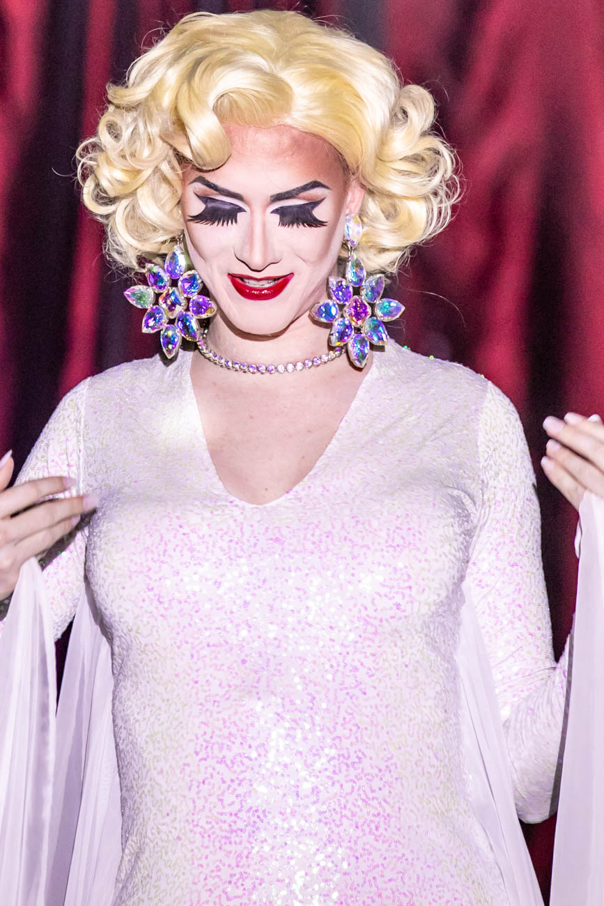 Performer: Mirelle Jane Divine / The Cabaret Drag Show is every Saturday evening from 11:30 p.m. to 1 a.m. at Below Zero Lounge. ADDRESS: 1120 Walnut Street (45202) / Image: Amy Elisabeth Spasoff // Published: 6.19.18
