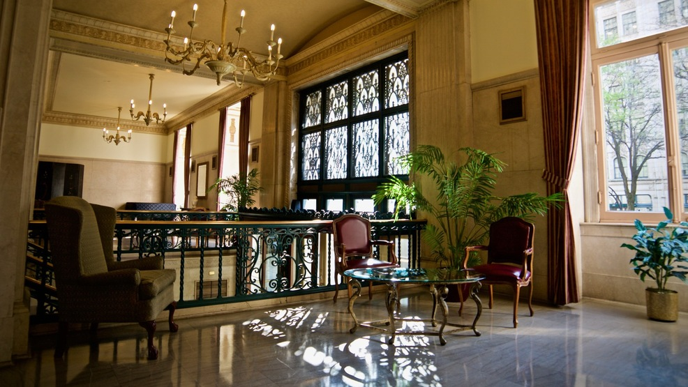 The Cincinnati Club Shines With Its Old World Glamour