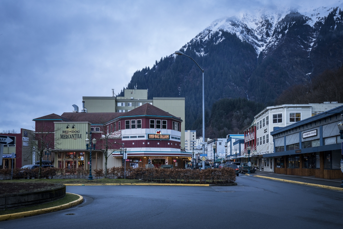 Think outside the dog sleds in Alaska's state capitol with food tours, craft cocktails, bed & breakfasts and shopping galore. Read more at http://seattlerefined.com/travel/17-things-to-do-in-alaska-that-dont-include-dog-sleds (image: JodyO Photos)