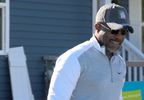 Darius Rucker surprises woman with new home (WCIV).png