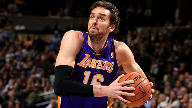 Did Kobe Bryant suggest Lakers should retire Pau Gasol's jersey?