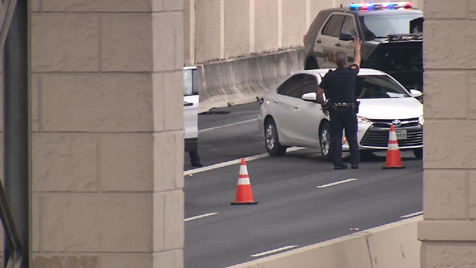 Man dies after jumping off highway overpass at Highway 281 and Loop 1604 (SBG San Antonio)