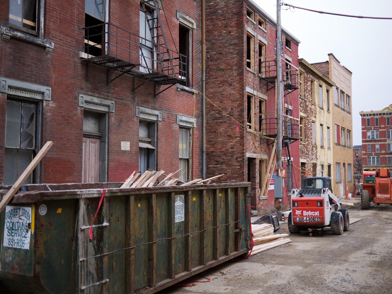 [BEFORE] LOCATION: Mercer Street, looking west between Vine and Walnut Streets at Rodney Alley (Over-the-Rhine) / IMAGE: Travis Estell