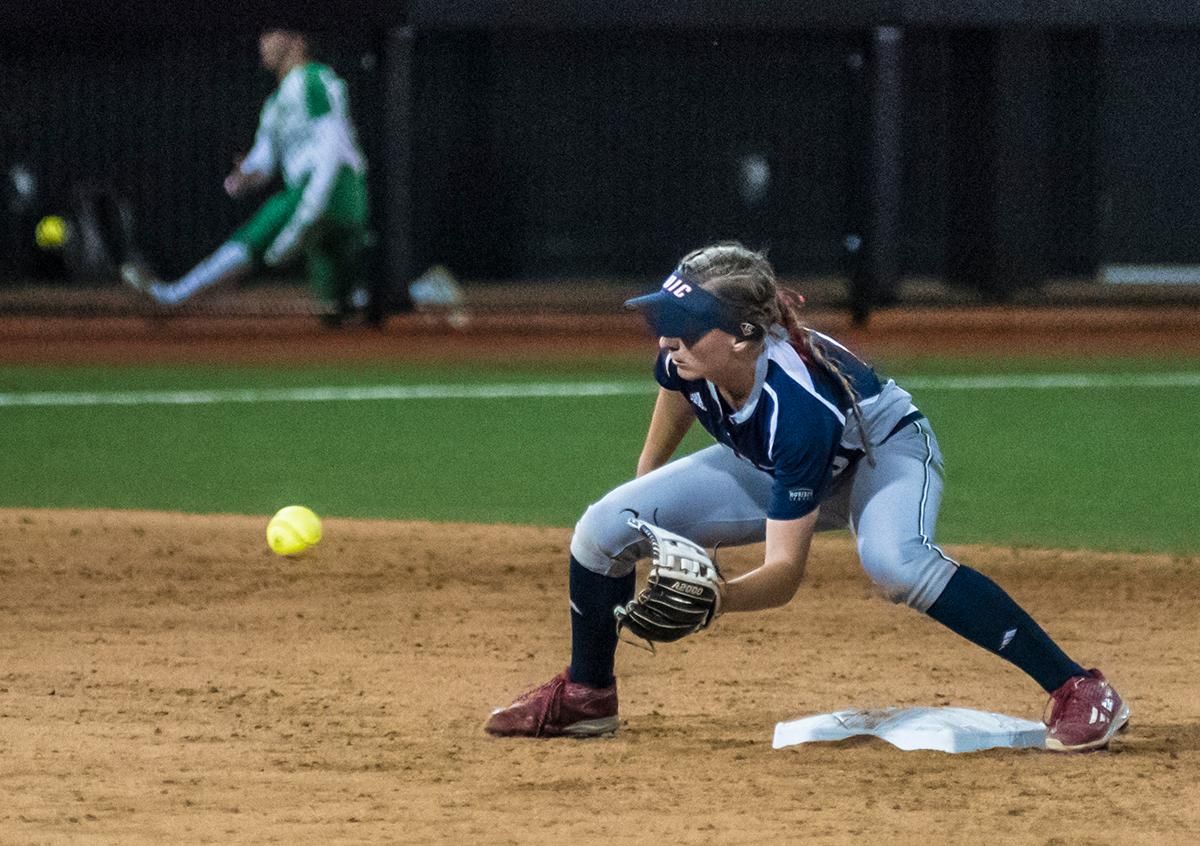 Chicago Flames second base player Kayla Wedl (#6) attempts to catch the ball. The No. 3 Oregon Ducks defeated the University of Illinois Chicago Flames 13-0 with the run-rule on Saturday night at Jane Sanders Stadium. The Ducks scored in every inning and then scored nine runs at the bottom of the fourth. The Oregon Ducks are now 22-0 in NCAA regional games. The Oregon Ducks play Wisconsin next on Saturday, May 20 at 2pm at Jane Sanders Stadium. Photo by Cheyenne Thorpe, Oregon News Lab