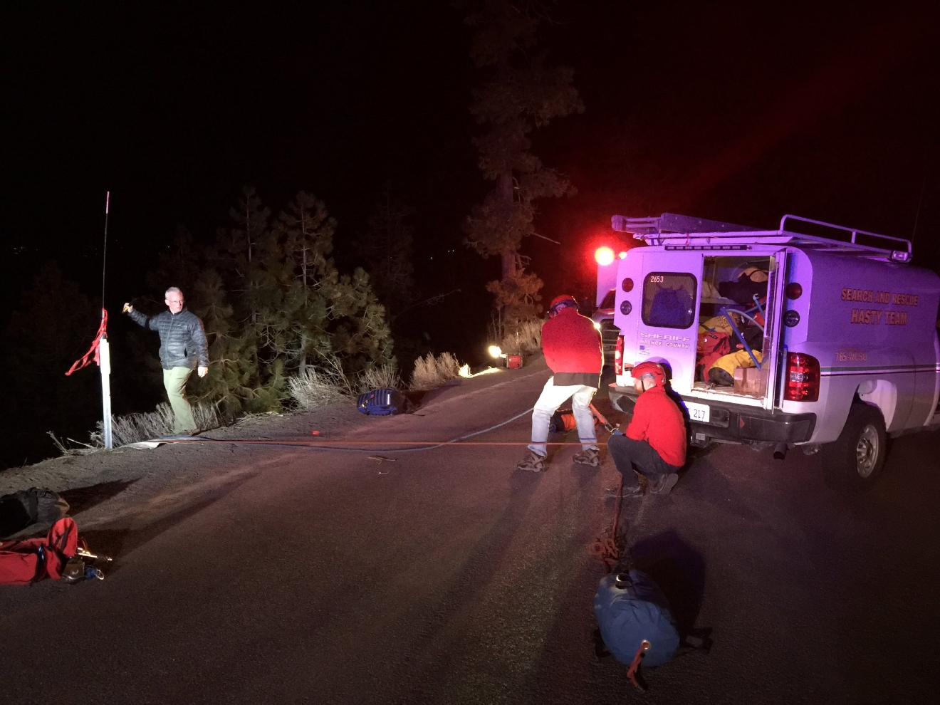 Crews rescue injured hiker near Bonsai Rock at Lake Tahoe. (Courtesy: Washoe County Sheriff's Office)