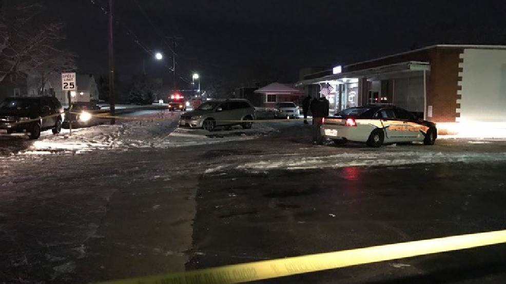 Police Investigate Robbery Shooting At Business In Trotwood Wrgt