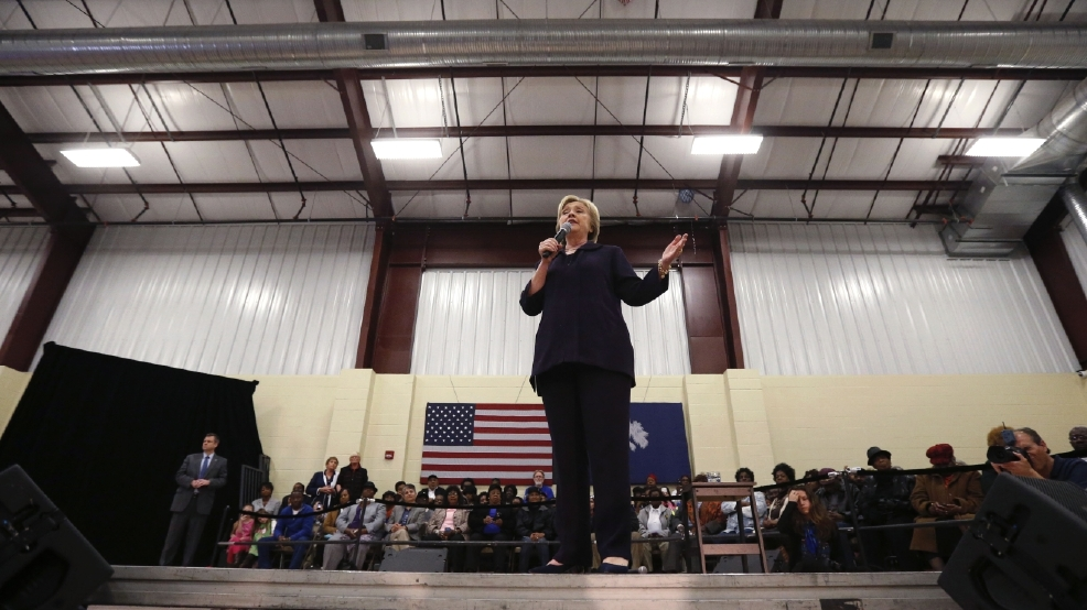 Clinton emphasizing gun laws ahead of South Carolina primary