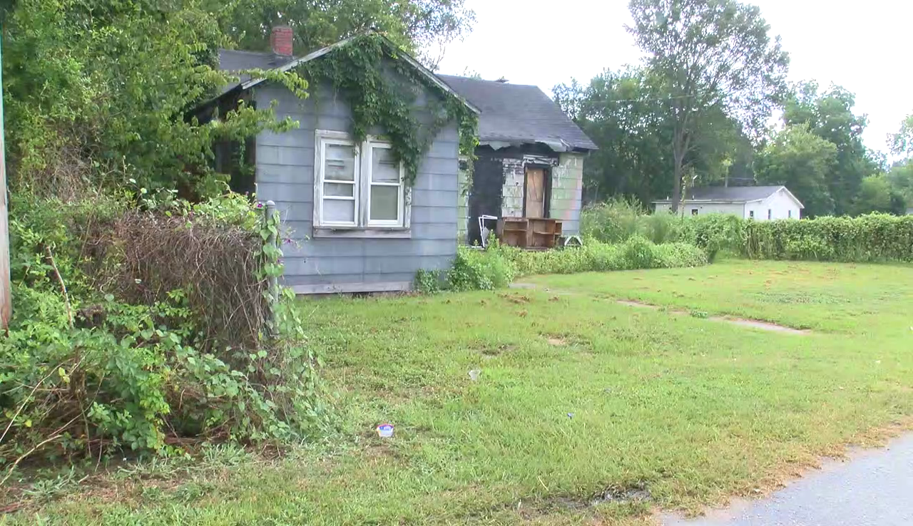 Some Bennettsville residents complain about abandoned houses (WPDE)