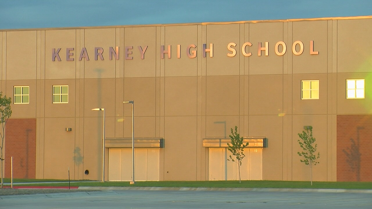 Kearney Public School (KPS) leaders say there are issues plaguing its brand new high school facility. (NTV)