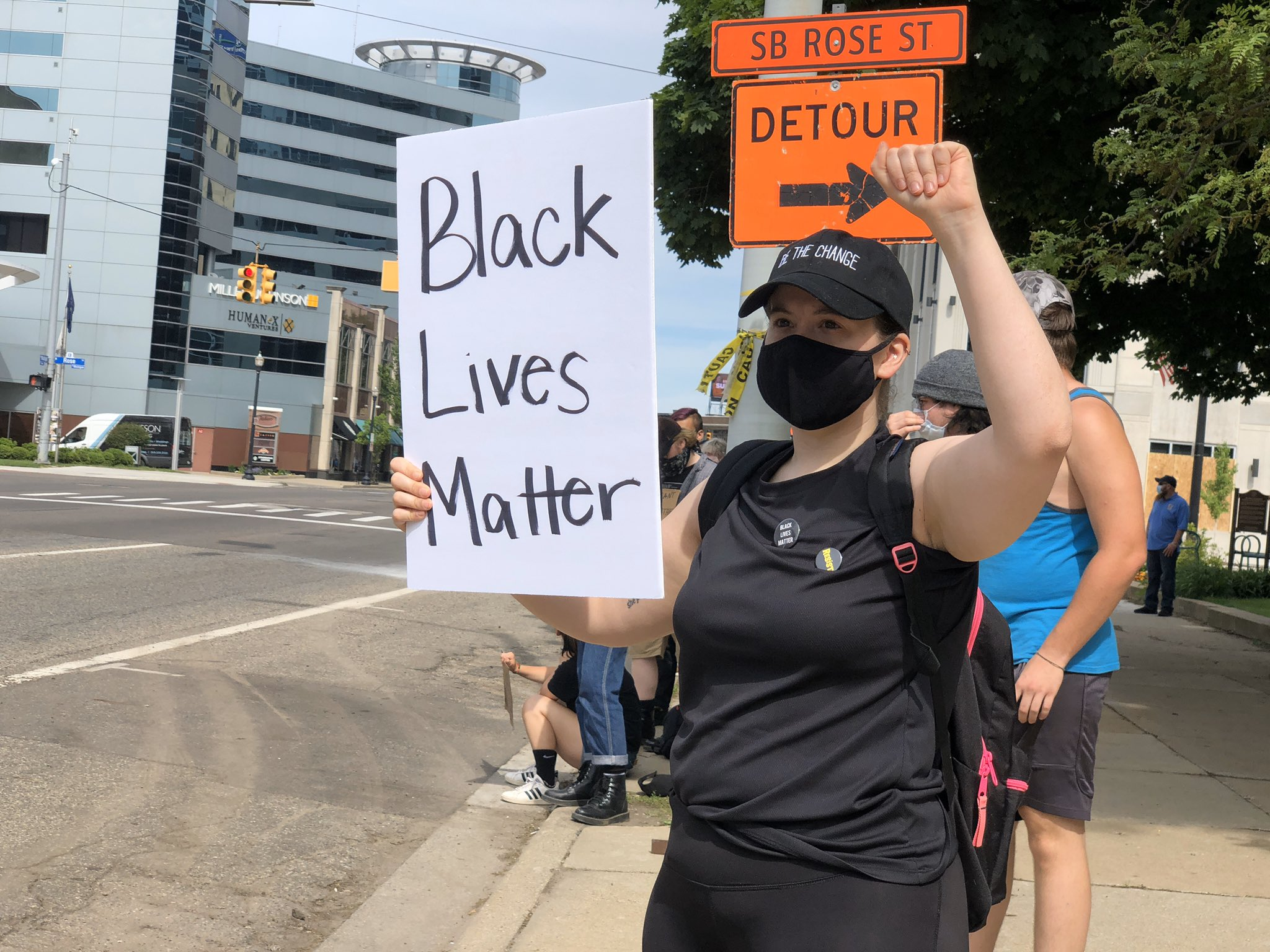 Crowds gathered in front of the Kalamazoo County Courthouse on June 3, 2020, for a protest. (WWMT/Genevieve Grippo)