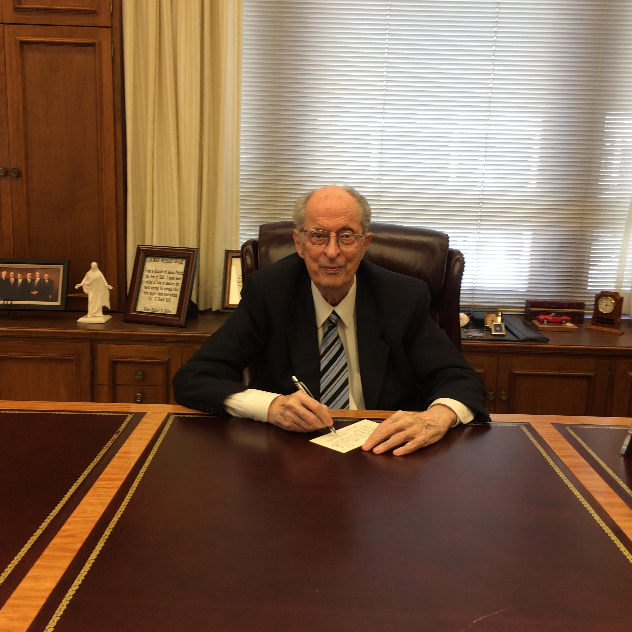 Elder Robert D. Hales in his office in April 2015 (Photo: LDS church, Copyright Intellectual Reserve, Inc.)