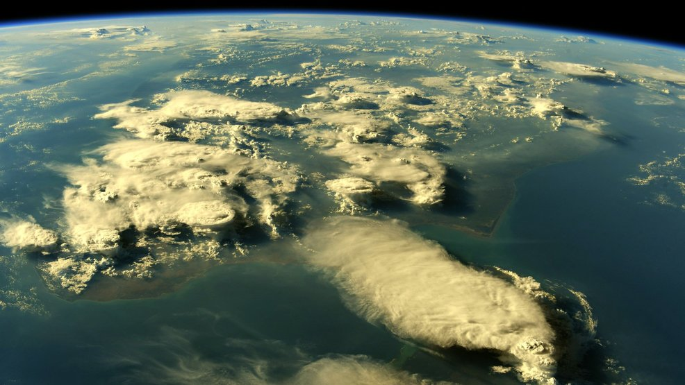 100 breathtaking photos of Earth as seen from the International Space Station
