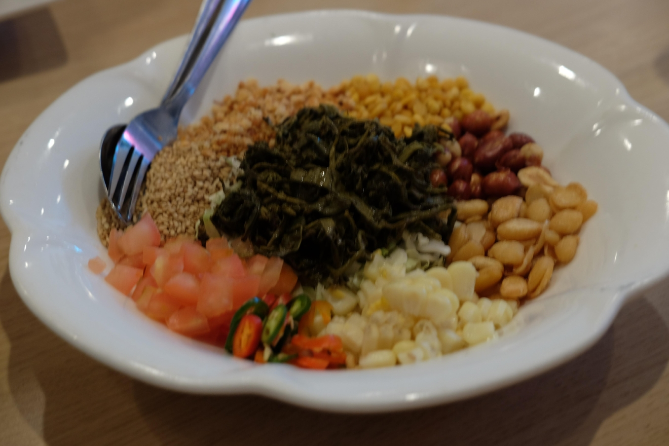 Burmese tea leaf salad at Daw Yee in LA (Image: Naomi Tomky / Seattle Refined)