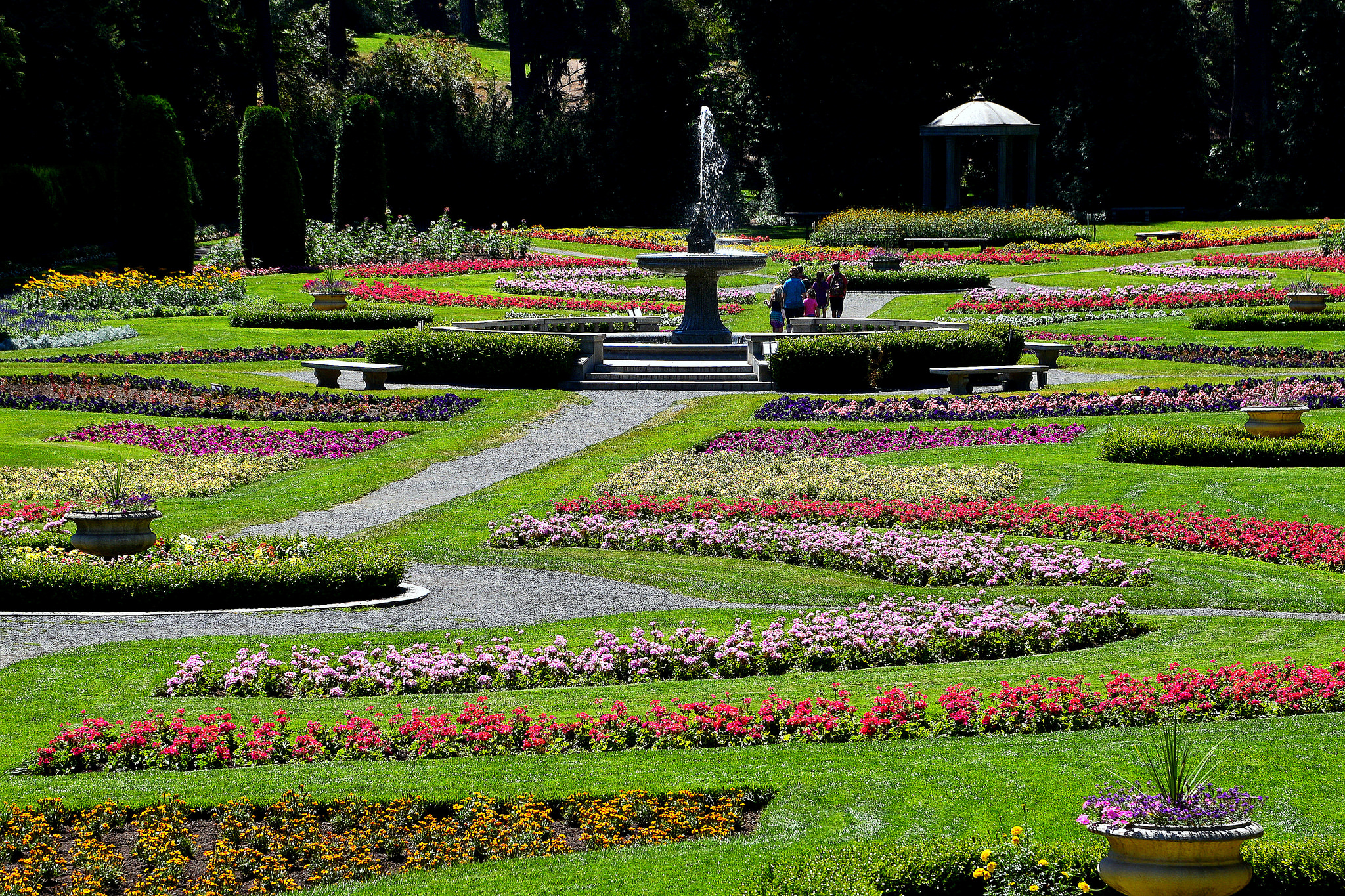 Manito Park has an amazing rose garden, conservatory, English style annual garden and an unbelievable Dahlia garden in late summer. Plus a Japanese garden. (Image: Keith Ewing / https://flic.kr/p/KLBJzS)