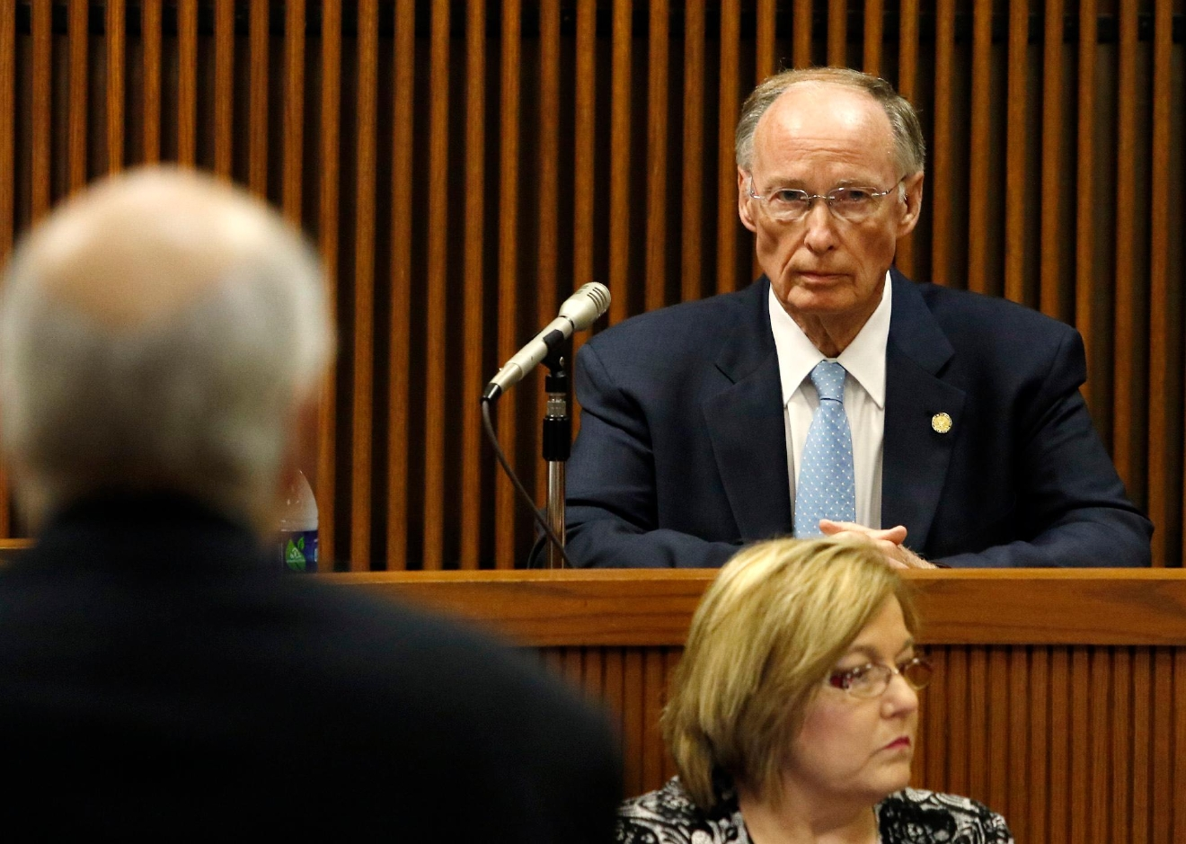 Prosecutor John Gibbs questions Alabama Governor Robert Bentley in the Speaker Mike Hubbard trial on Wednesday, June 1, 2016  in Opelika, Ala.(Todd J. Van Emst/Opelika-Auburn News/Pool)