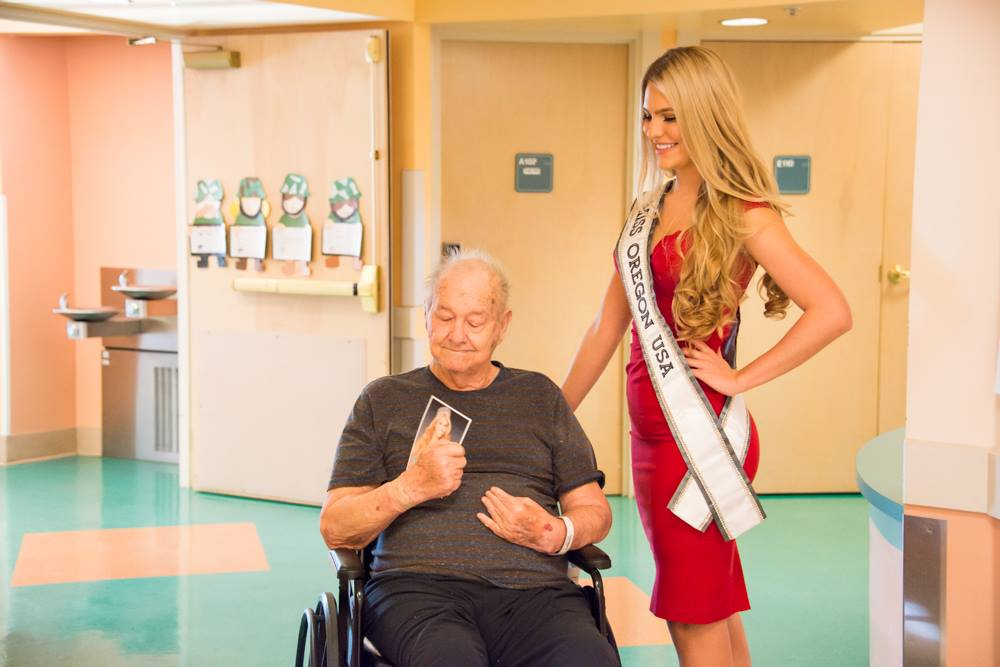 The Roseburg VA Health Care System had a surprise visit from Toneata Morgan, the current Miss Oregon USA, officials said, Nov. 24, 2017. (Photo courtesy VA Roseburg Health Care Center)