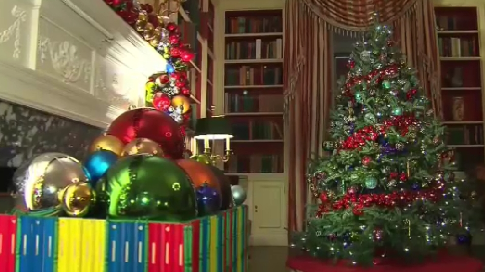 photo of one of the christmas decoration displays at the white house tuesday nov 29 2016 abc7 photo