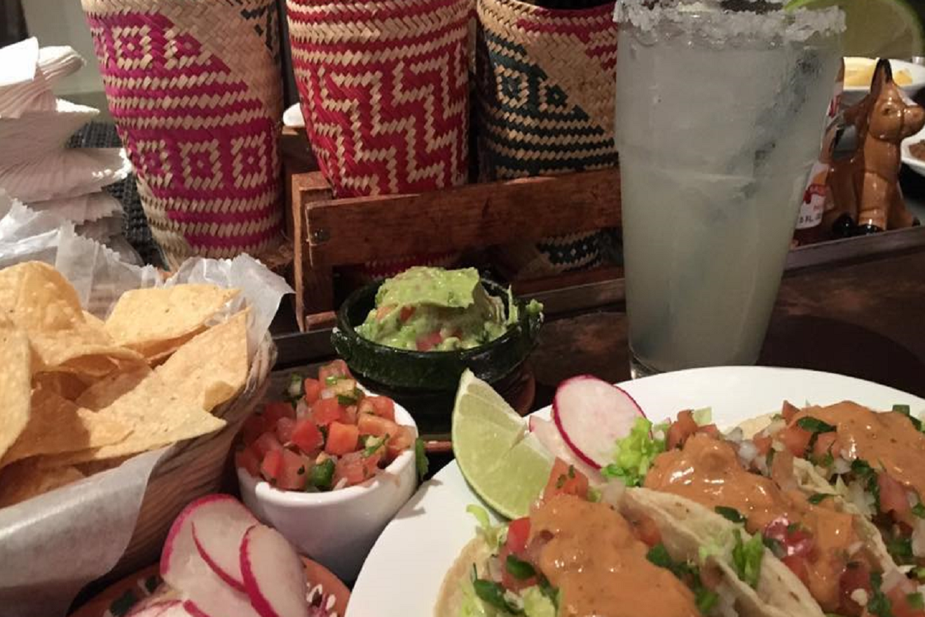 your chips will be delight in being dipped in the creamy goodness of La Carta de Oaxaca's guacamole. This Ballard favorite serves the delectable cuisine of Oaxaca, Mexico. (Photo Courtesy: La Carta de Oaxaca Facebook page)<p></p>
