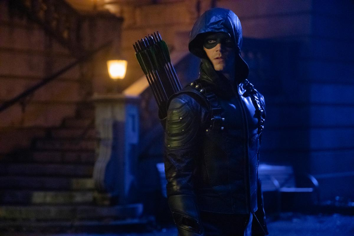 "Arrow -- ""Elseworlds, Part 2"" -- Image Number: AR709d_0011r -- Pictured: Grant Gustin as Oliver Queen/Green Arrow -- Photo: Jack Rowand/The CW -- �© 2018 The CW Network, LLC. All Rights Reserved."