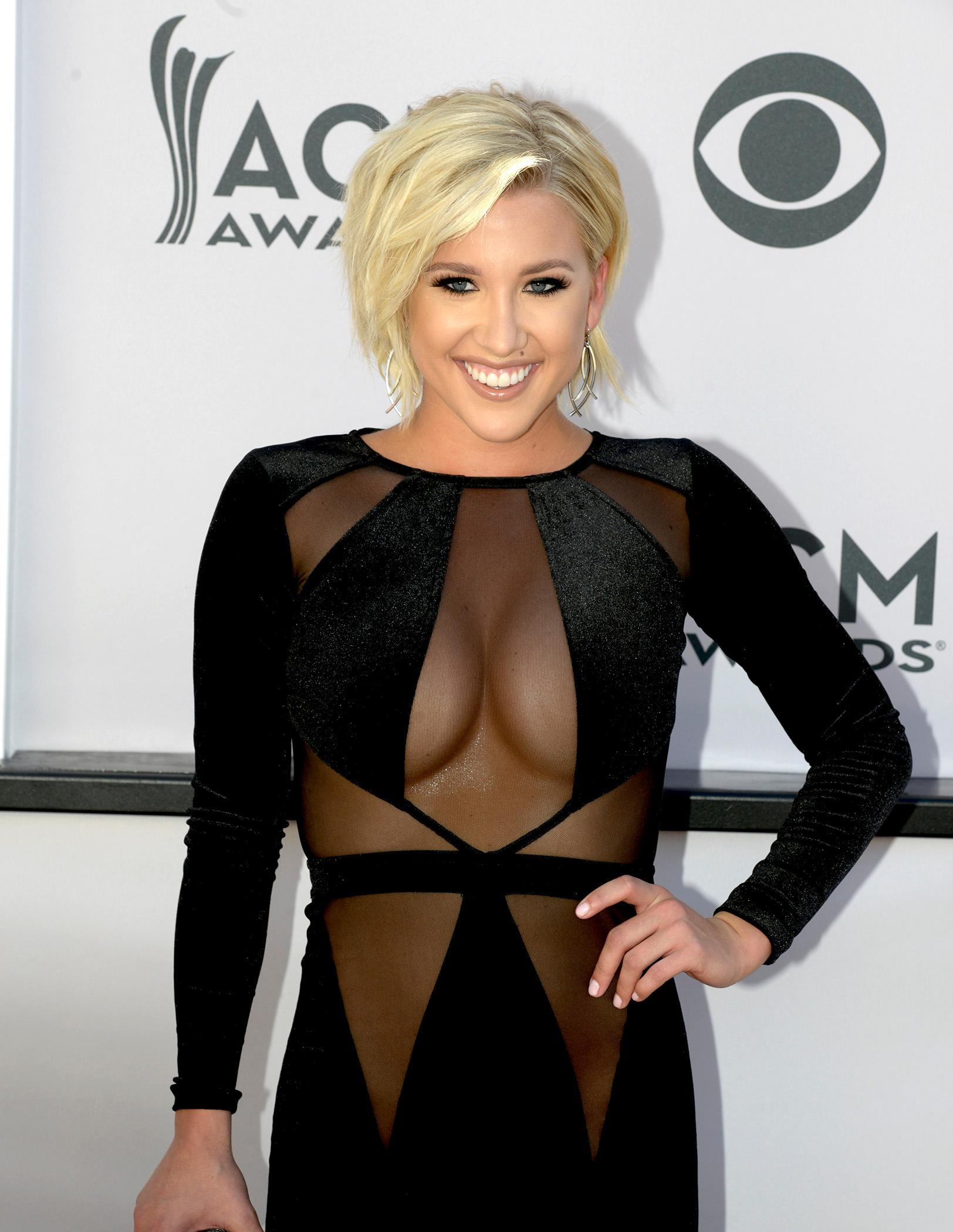 Gallery Academy Of Country Music Awards Red Carpet In