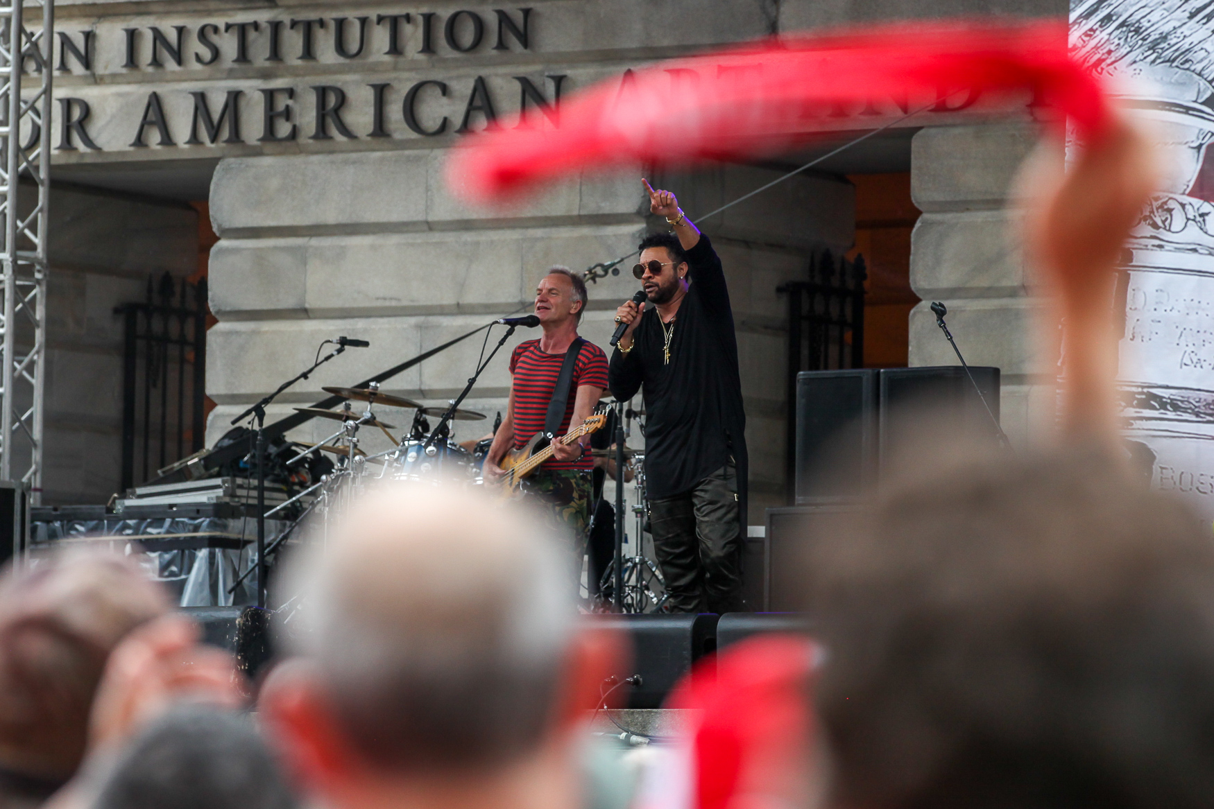 Shaggy and Sting perform outside of the National Portrait Gallery. (Amanda Andrade-Rhoades/DC Refined)