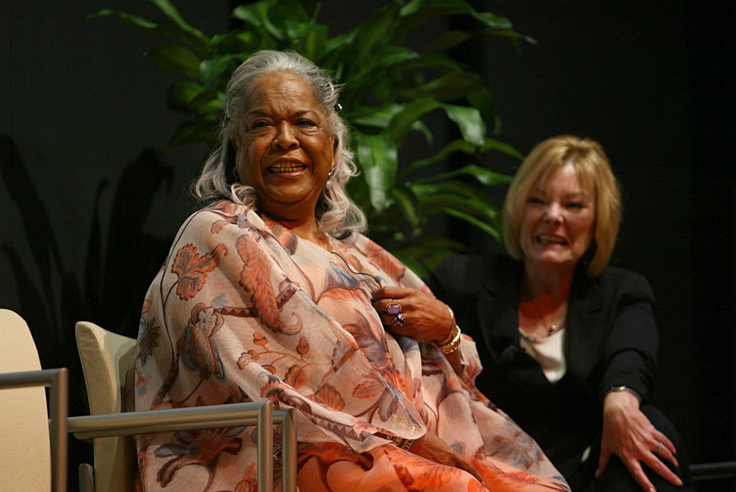 Della Reese and Jane Curtin National Museum of Women in the Arts honors five women at 'Legacies of Women in the Performing Arts' at the Enrique V. Iglesias Conference Center Auditorium Washington on Sep. 14, 2007. (Carrie Devorah / WENN)<p></p>