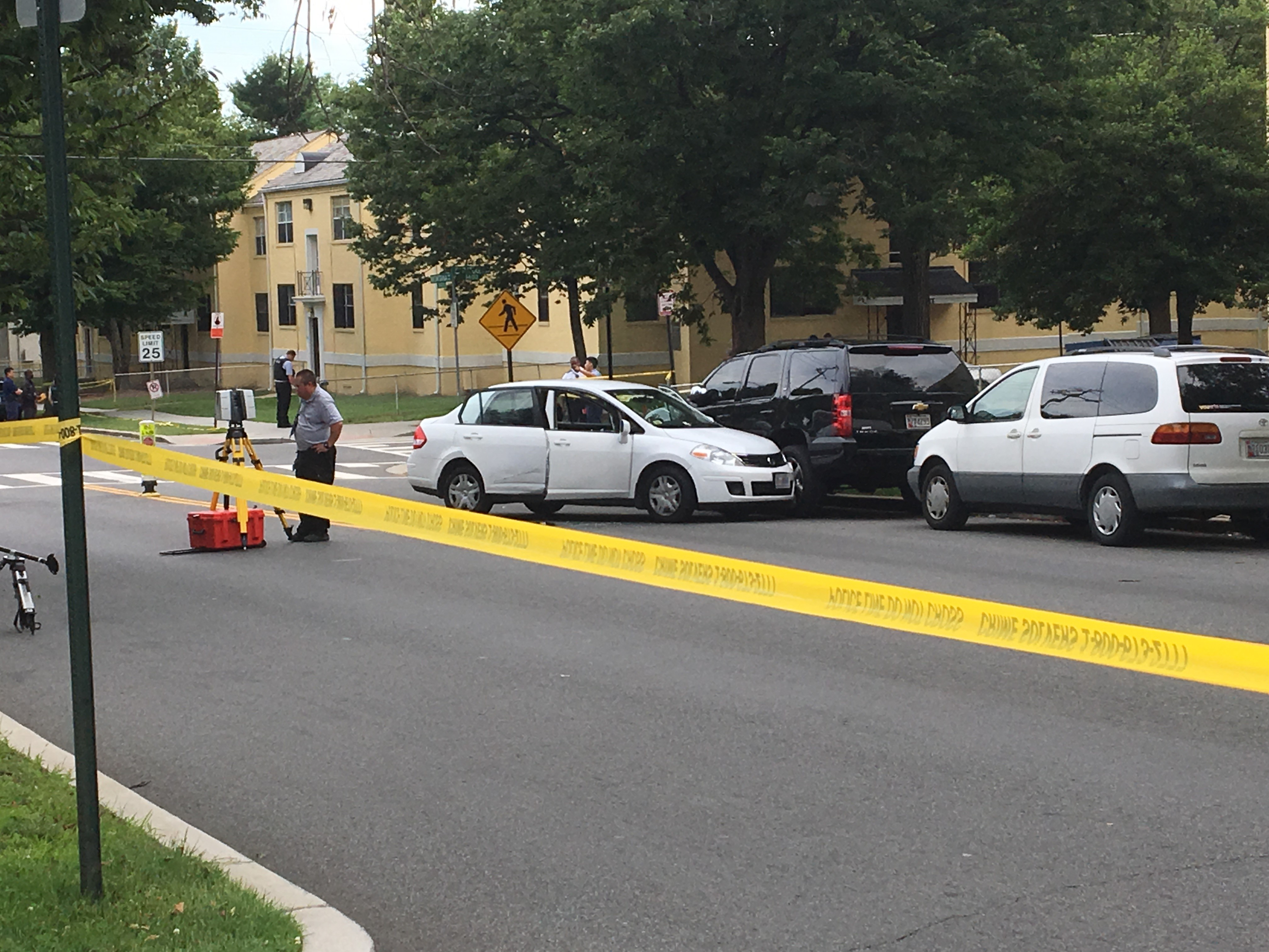 Police: Man, 17-year-old girl shot in Northeast DC, officers searching for suspects (ABC7)