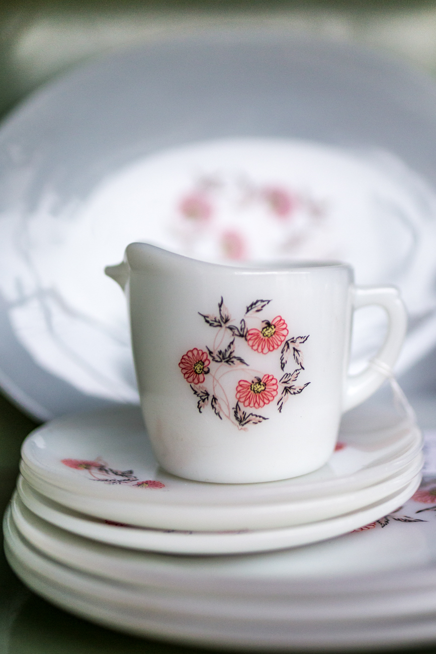Vintage kitchenware / Image: Catherine Viox{ }// Published: 11.9.19