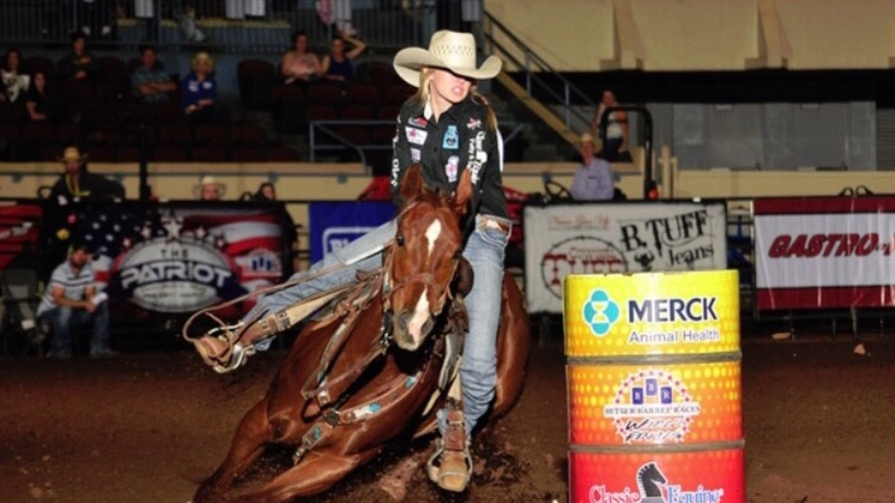 Central Point Woman Competes In American Rodeo Finals Ktvl