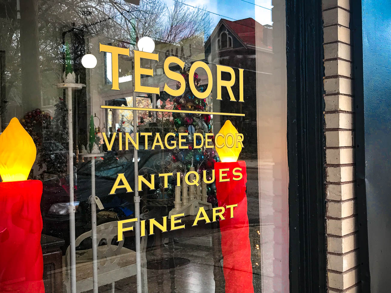 "The name ""Tesori"" came from the Italian translation of ""treasure."" Stefano DiPietrantonio, one of the shops owners, comes from Italian heritage so it was fitting. David Riter, the other shop owner, tried coming up with some German names to pay homage to his ancestry, but Tesori just stuck so beautifully. You can visit this treasure trove Tuesday through Saturday, 11 AM-5 PM. ADDRESS: 801 Park Avenue (41071) / Image: Katie Robinson, Cincinnati Refined // Published: 11.25.18"