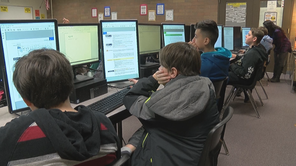 Students Leaving Junior High School With Microsoft Office Specialist