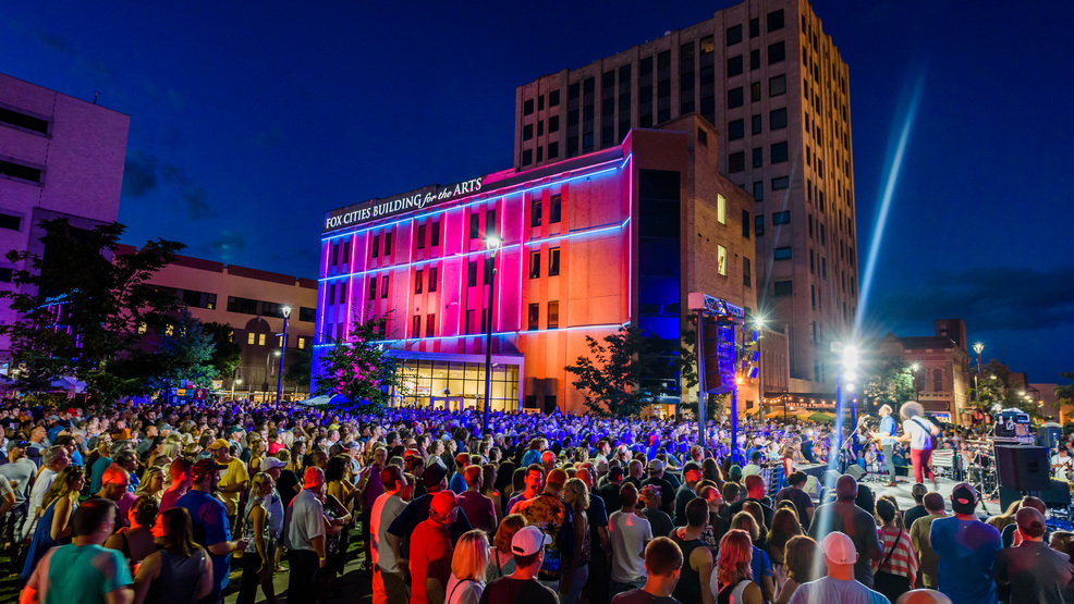 Mile of Music concert in Houdini Plaza in 2016
