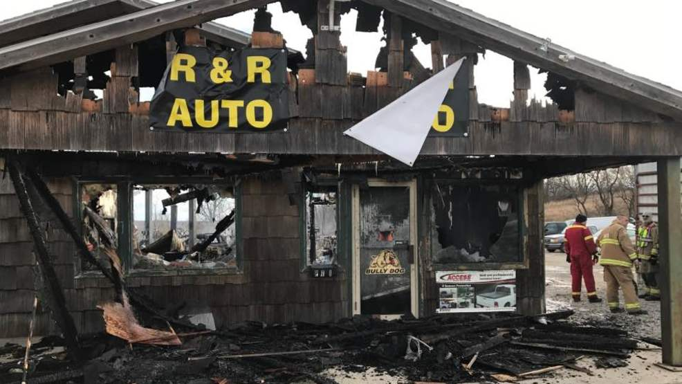 Fire destroys Ottumwa auto shop