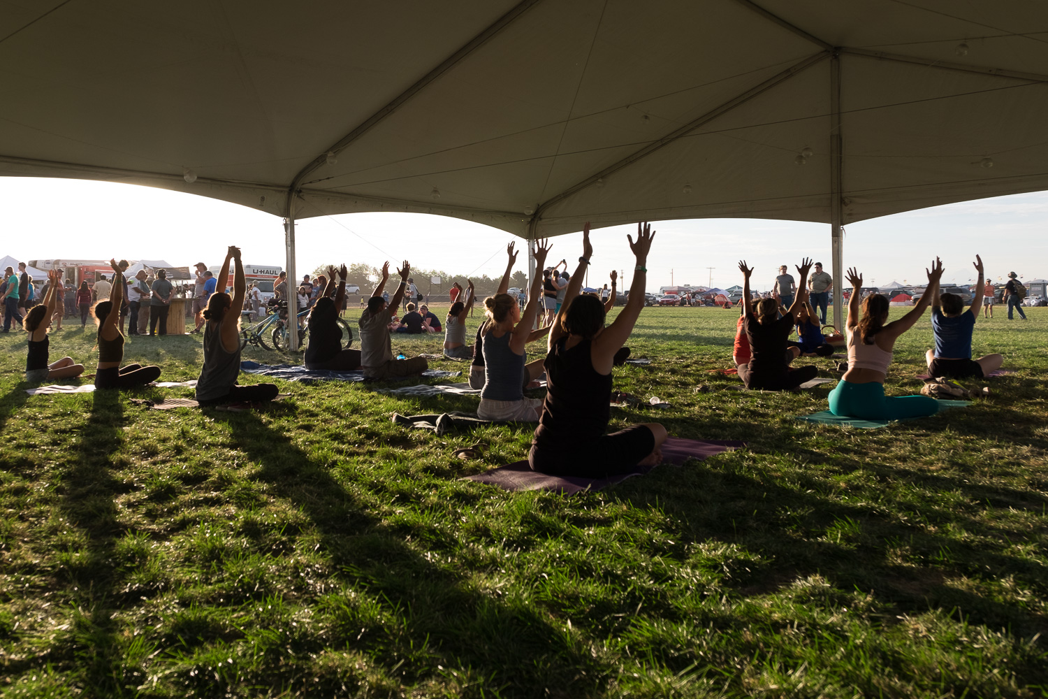 Evening yoga. Oregon Solarfest (Image: Paola Thomas / Seattle Refined)