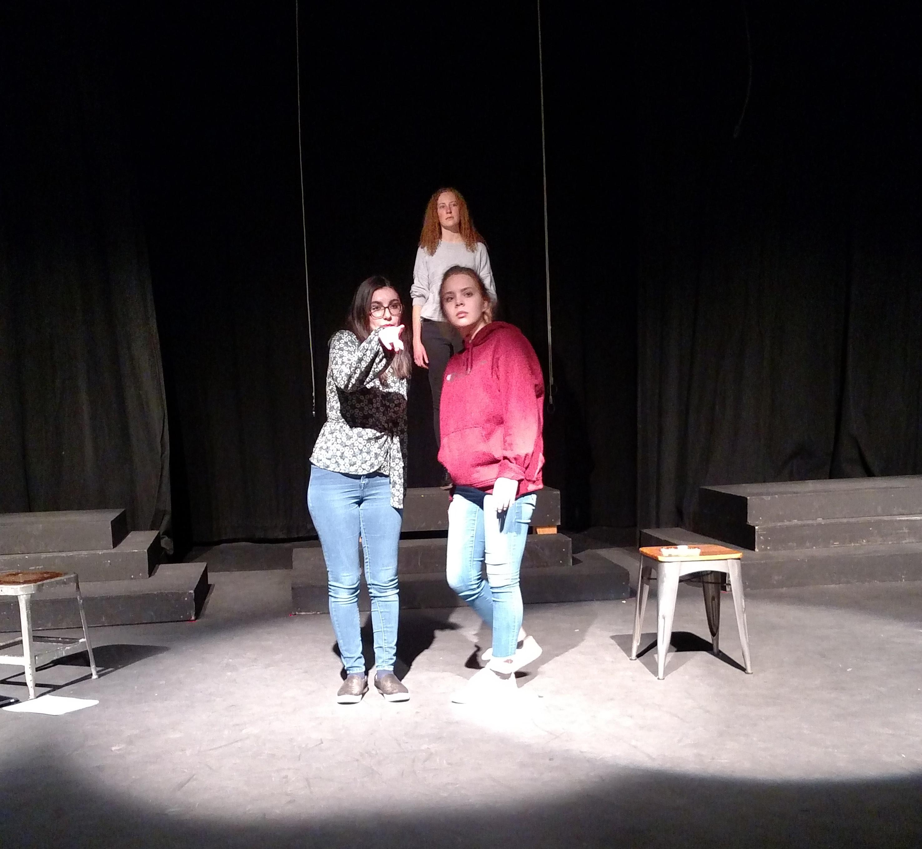 "From left, Leila Kenner (senior), Kate Jaques-Prentice (senior) and  Grace Schroeder (senior) in rehearsal  for ""Back Cover"" by Emily Hageman at Ashland High School. Photo by Maureen Flanagan Battistella"