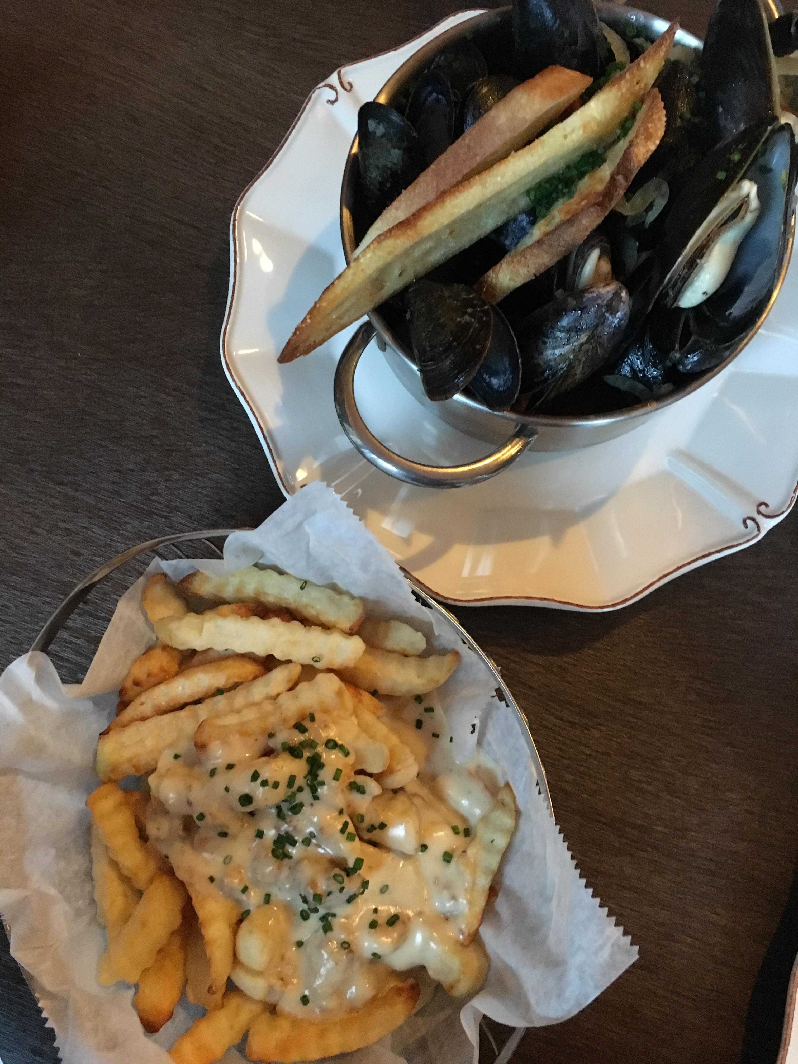 Mussels and frites at at Delirium Café USA. (Image: Lani Furbank)