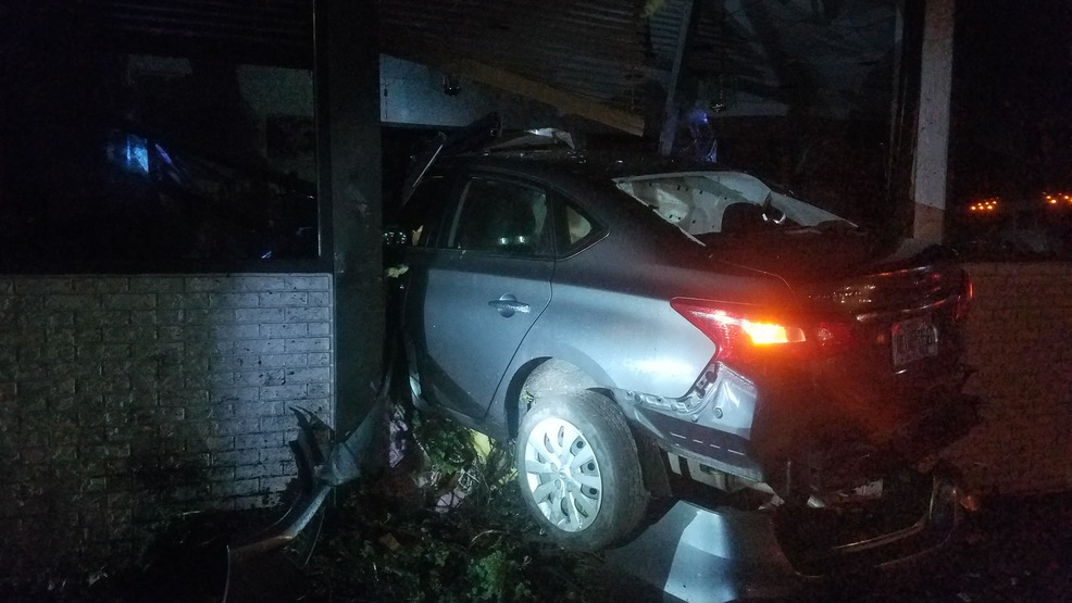 Car slams into Chestnuthill Diner | WOLF