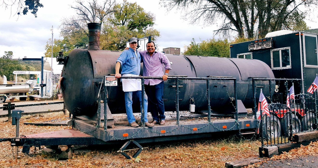 Mike's Iron Horse BBQ (Photo Ray O'Canto/KMPH)