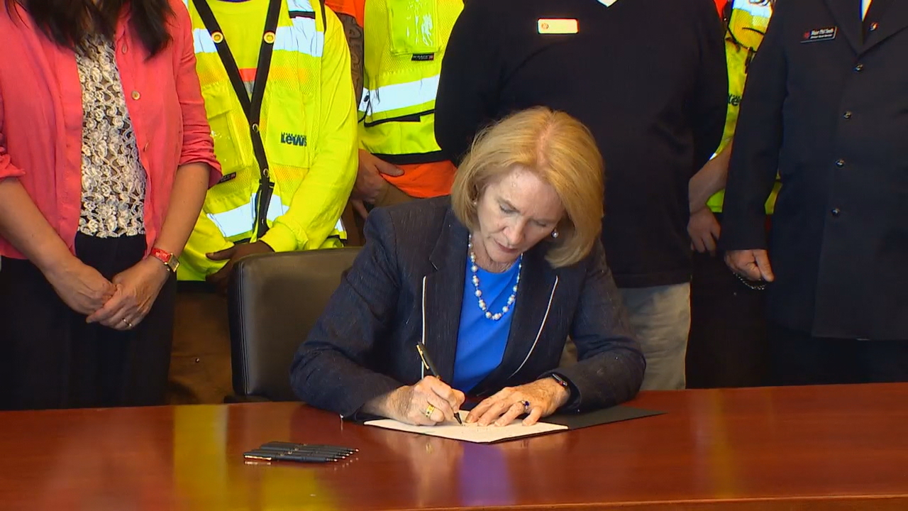 Seattle Mayor Jenny Durkan signs $13 million law creating 500 new shelter beds