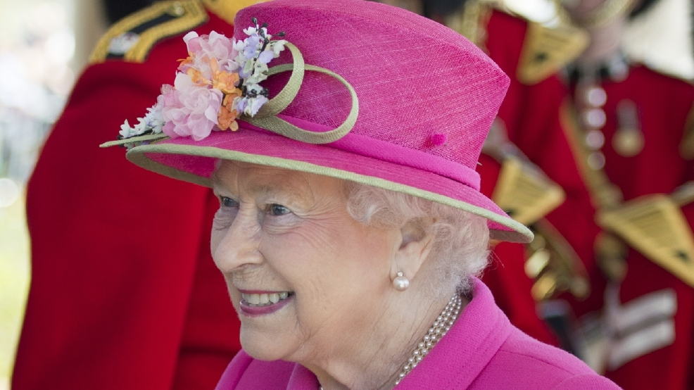 U.K.'s Cameron hails 'steadfast' queen on her 90th birthday