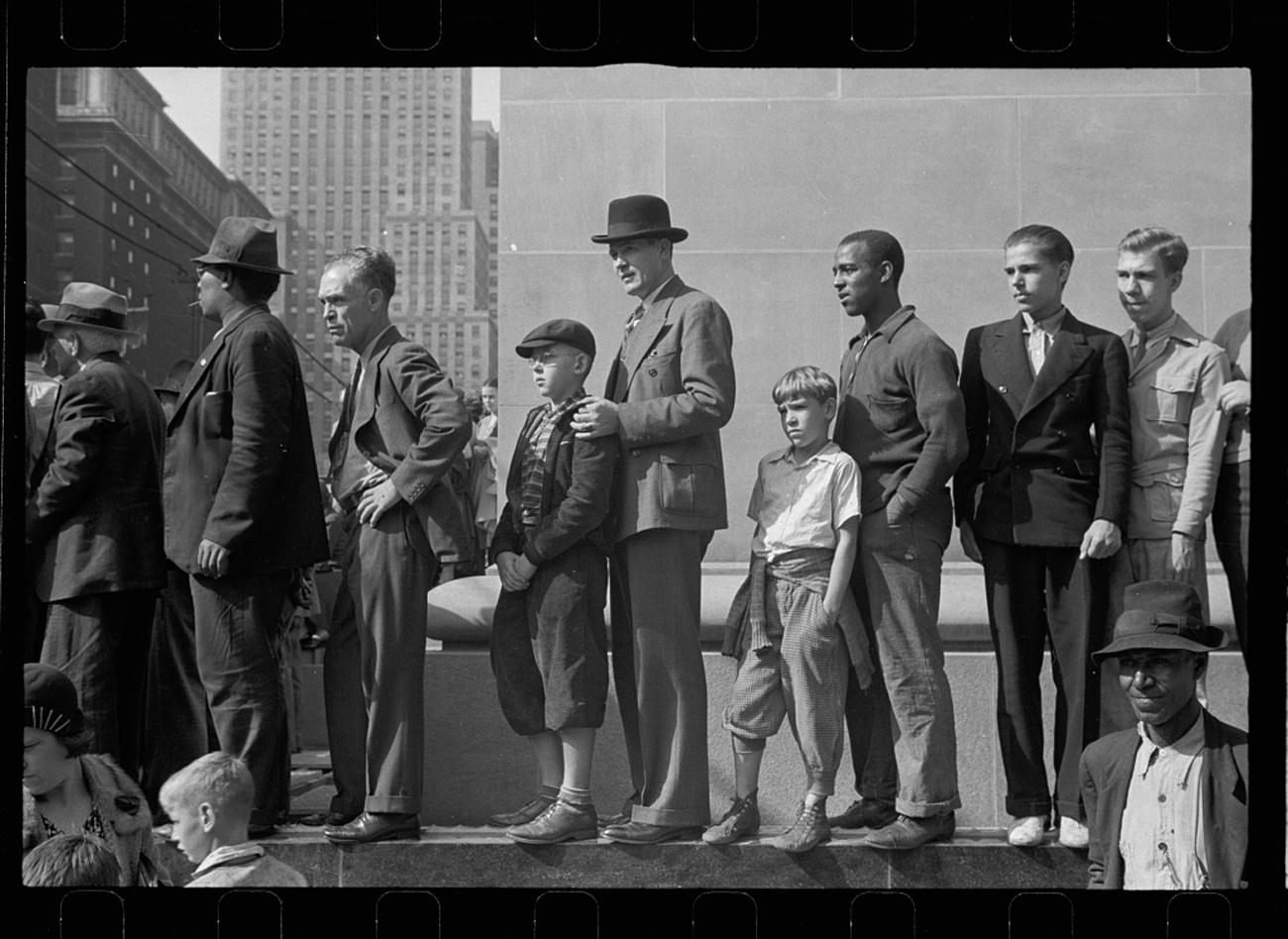 """Watching the parade go by. Cincinnati, Ohio"" in 1938 / Image: John Vachon for the U.S. Farm Security Administration/Office of War Information accessed via the Library of Congress Archives // Published: 3.4.19"