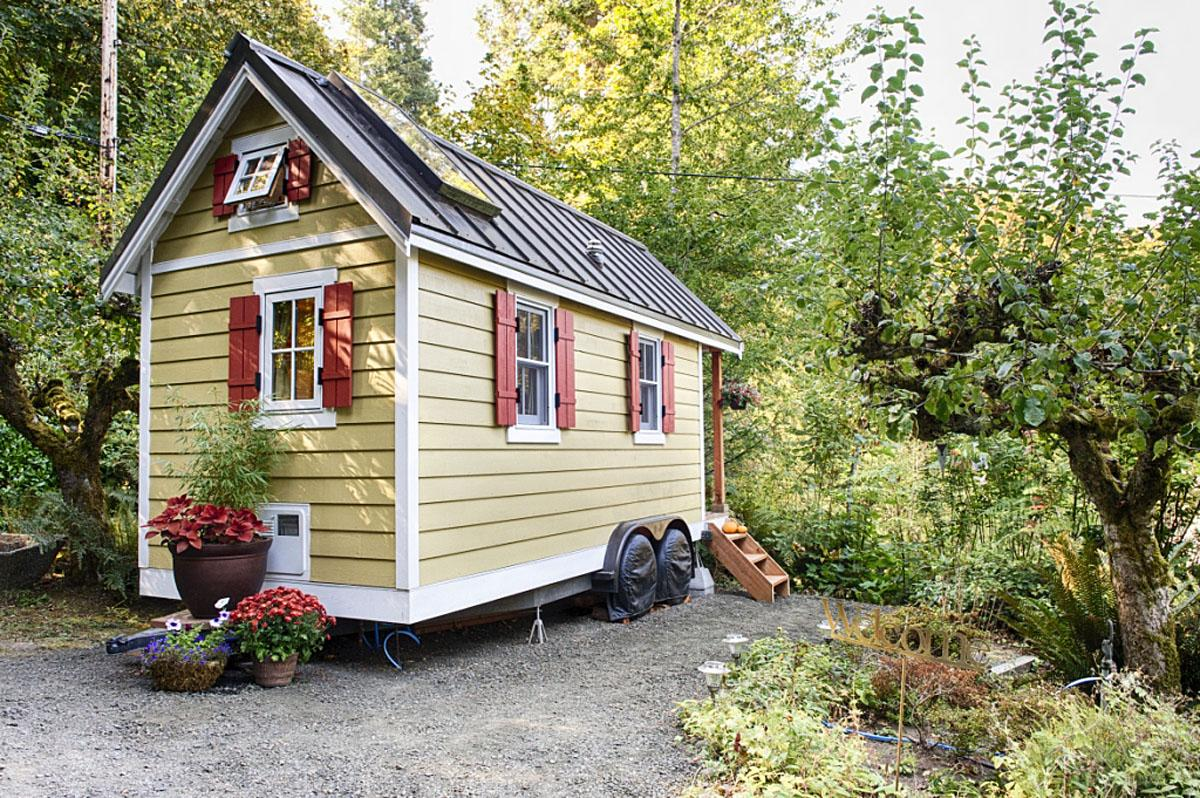 The Bayside Bungalow in Olympia, WA. (Photo by Christopher Tack, courtesy of the Tumbleweed Tiny House Company)