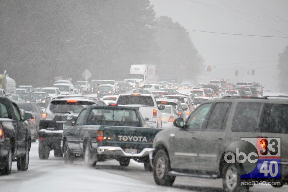 A strong winter storm wreaks havoc across Alabama with snow and ice, Tuesday, January 28, 2014.