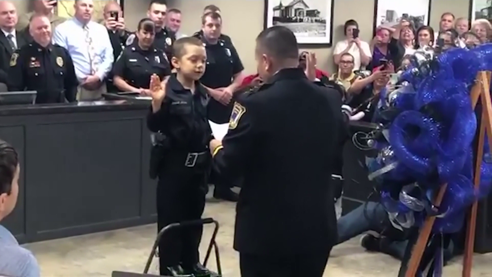 6-year-old Houston-area girl with cancer sworn in as honorary police
