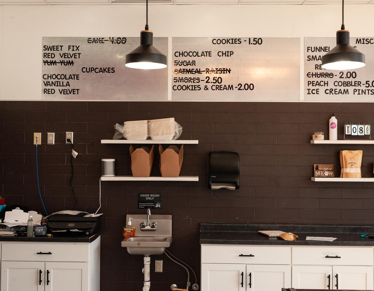 The Corryville bakery is typically open Wednesday through Sunday from 4 PM to midnight, but their current hours are Wednesday through Sunday from 5 PM to 10 PM. Indoor dining is unavailable, but pickup is offered and delivery through apps like UberEats & DoorDash. / Image: Kellie Coleman // Published: 8.5.20