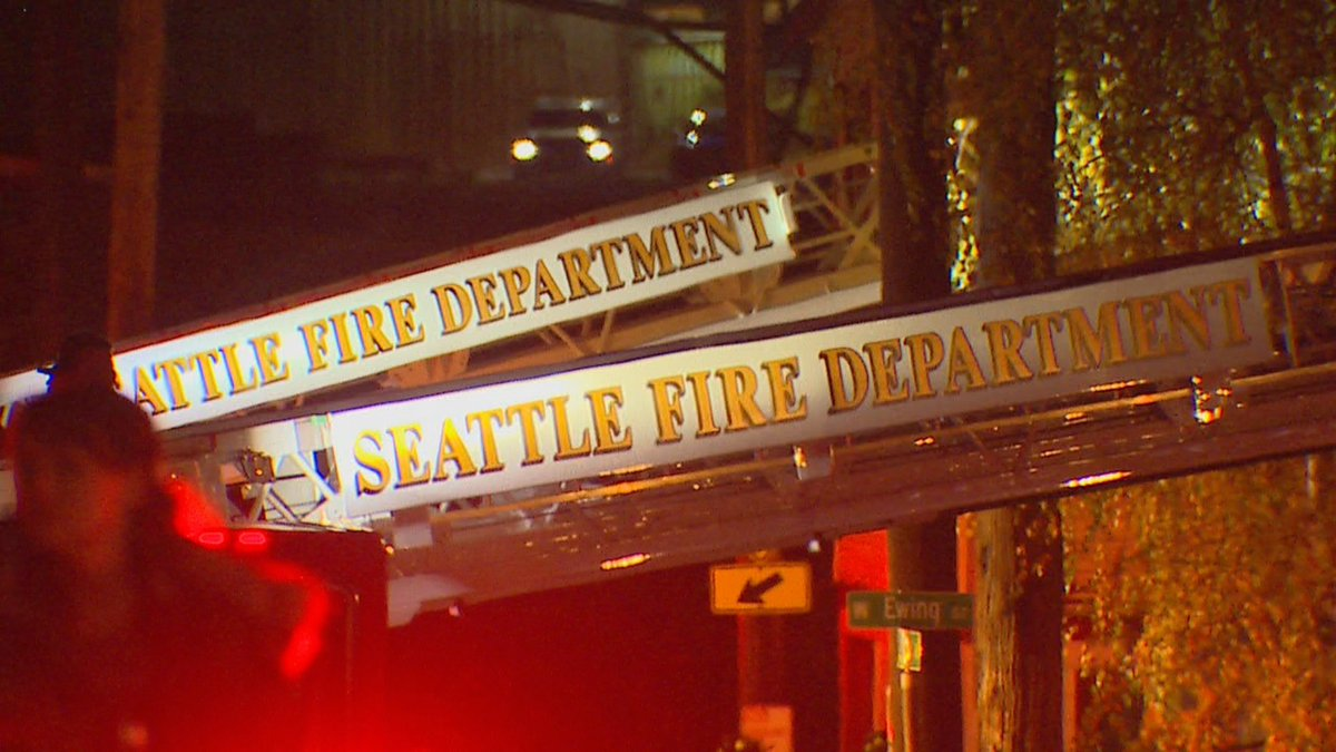 Seattle lumber yard fire queen anne north KOMO X9.jpg